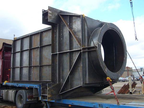 amekus projektai - išmetimo ir ortakiniai nestandartiniai negabaritiniai metalo gaminiai.